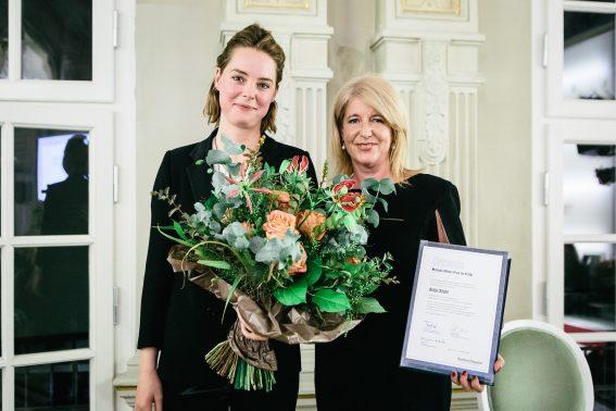 Antje Stahl erhält den Preis für Kritik, ausgelobt von der Frankfurter Allgemeinen Zeitung. Aufgenommen am 17.10.2018 in den Räumen des Deutschen Theater in Berlin.